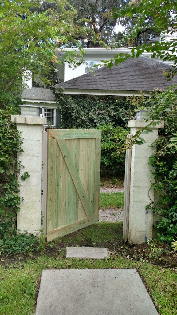 Custom fence gate with Z framing for stability